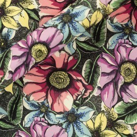 Carnet Style floral print on stretch crèpe fabric