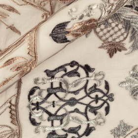 Carnet Couture floral embroidery on tulle fabric